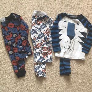Baby gap long-sleeve pajama lot